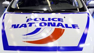 Le capot d'une voiture de police le 17 novembre 2015 à Villepinte lors du salon MILIPOL. (BERTRAND GUAY / AFP)