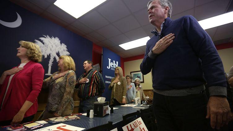 Jeb Bush, candidat à la primaire républicaine,en campagne à Leesville,en Caroline du Sud (Etats-Unis), le 16 février 2016. (ALEX WONG / GETTY IMAGES NORTH AMERICA)