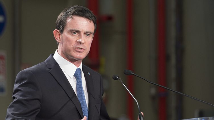 (Manuel Valls tranche sur la rémunération minimum des heures supplémentaires © maxPPP)