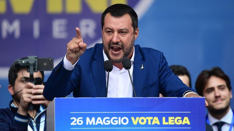 Matteo Salvini, ministre de l'Intérieur italien, lors d'un rassemblement avec les nationalistes européens, à Milan le 18 mai 2019. (MIGUEL MEDINA / AFP)