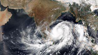 Vue satellite du cyclone Fani s'approchant de l'Inde, le 1er mai 2019. (NOAA)