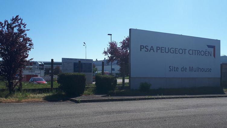 Les syndicalistes sont mitigés à l'usine PSA Mulhouse, après l'annonce de la fusion entre PSA et Fiat-Chrysler, ce jeudi 31 octobre. (PATRICK GENTHON / FRANCE-BLEU ALSACE (+ FB ELSASS))