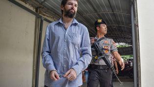 Le Français Félix Dorfin arrive au tribunal de Mataram (Indonésie) le 20 mai 2019, jour du verdict de son procès pour trafic de drogue. (ARSYAD ALI / AFP)
