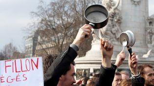 Une manifestation pour dénoncer la corruption des élus a eu lieu dimanche 19 février. (CHARLES PLATIAU / REUTERS)