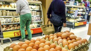 Desœufs dans un supermarché de Lille pendant le scandale desœufs contaminés au fipronil. Photo d'illustration. (PHILIPPE HUGUEN / AFP)