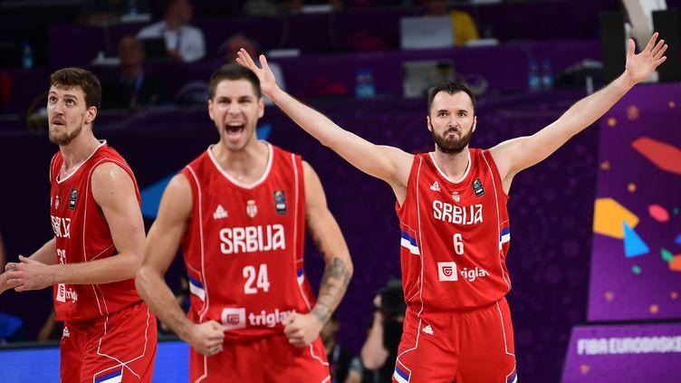 La joie des Serbes avec Jovic et Macvan (OZAN KOSE / AFP)
