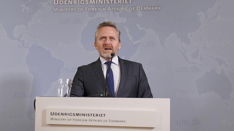 Le ministre danois des Affaires étrangères, le 30 octobre 2018, à Copenhague, lors d'une conférence de presse. (MARTIN SYLVEST / AFP)