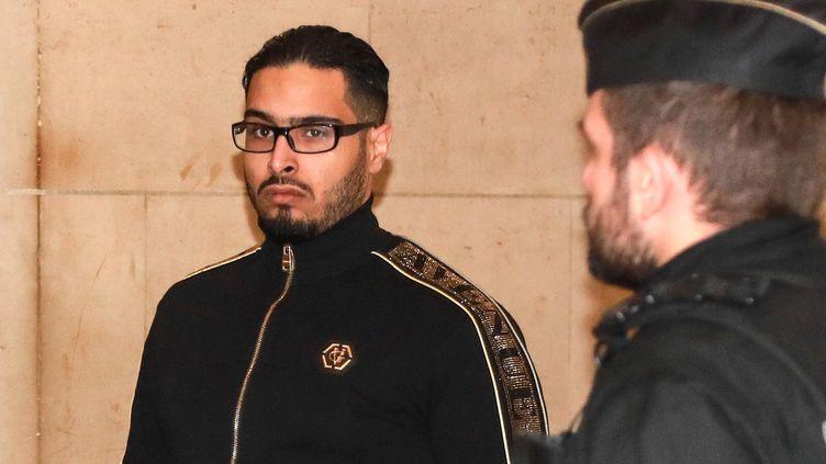 """Jawad Bendaoud lors de son procès en appel pour""""recel de malfaiteurs terroristes"""" au palais de justice de Paris, le 21 novembre 2018. (JACQUES DEMARTHON / AFP)"""