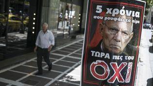 """Une affiche en faveur du """"non"""" (""""Όχι"""") au référendum grec, jeudi 2 juillet 2015 à Athènes (Grèce). (SOCRATES BALTAGIANNIS / DPA / AFP)"""
