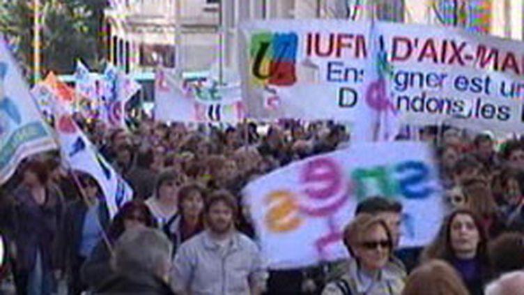 Une journée d'action dans l'Education nationale (archives) (France 2)