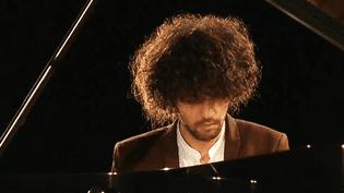 le pianisteSimon Ghraichy au festival Labeaume en musiques (Ardèche)  (France 3 / Culturebox )
