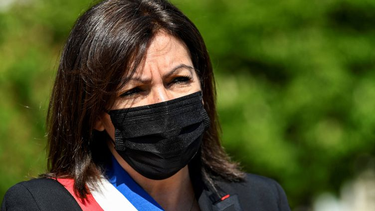 La maire de Paris, Anne Hidalgo, le 24 avril 2021 à Paris, lors d'une cérémonie en hommage aux victimes du génocide arménien. (BERTRAND GUAY / AFP)