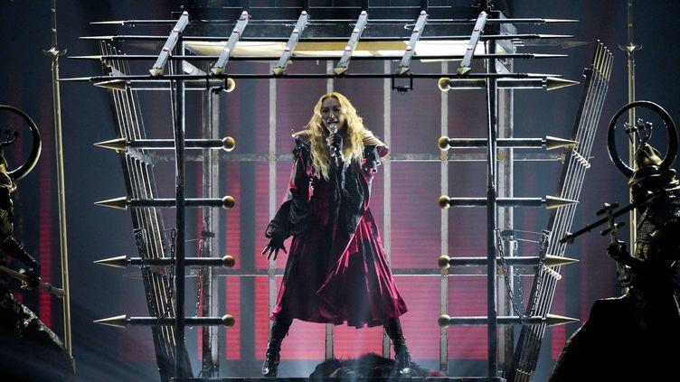 La chanteuse américaine Madonna, lors d'un concert à Berlin, en Allemagne, le 10 novembre 2015. (RAINER JENSEN / DPA)