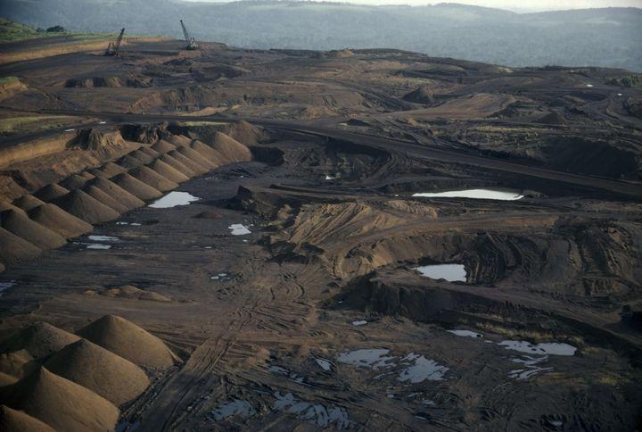 Mine de manganèse à Moanda (sud-est du Gabon) le 28 novembre 2006. La société française Eranet exploite les deux tiers de la production du pays. (EYE UBIQUITOUS / REX FE/REX/SIPA / EYE)