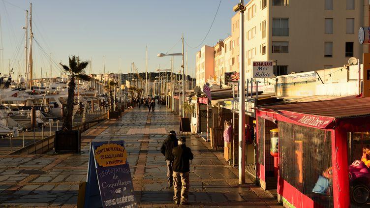 Environ 30 000 personnes supplémentaires arrivent chaque année en Languedoc-Roussillon. (ERIC TEISSEDRE / AFP)