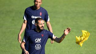KarimBenzema et Kylian Mbappé, à l'entraînement à Clairefontaine le 31 mai 2021 (FRANCK FIFE / AFP)