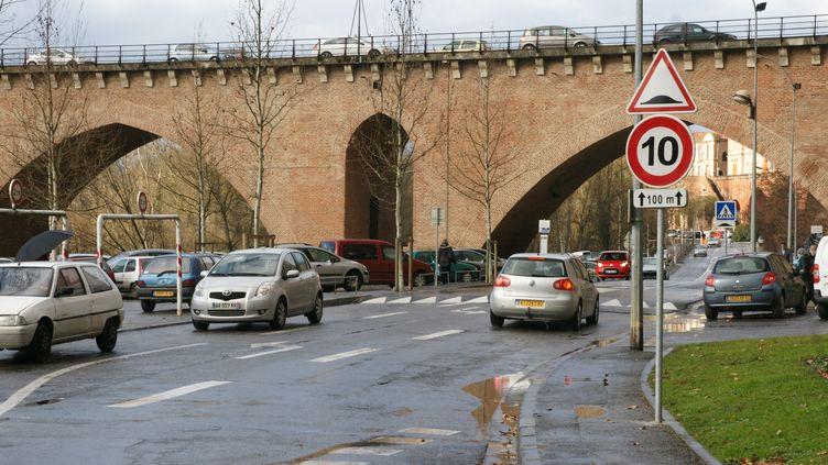 Selon Thierry Modolo, 100% des ralentisseurs de France seraient illégaux. (MAXPPP)
