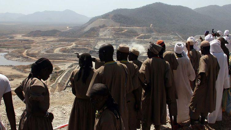 Visite du Grand Ethiopian Renaissance Dam, construit sur le Nil bleu (nord-ouest de l'Ethiopie), en 2015. ( Minasse Wondimu Hailu/ Anadolu Agency/ AFP)