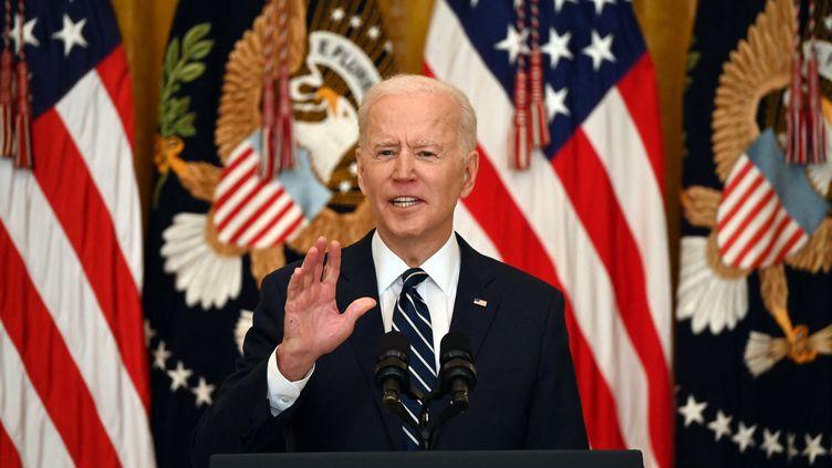 Le président américain Joe Biden donne une conférence de presse à la Maison Blanche, à Washington, le 25 mars 2021. (JIM WATSON / AFP)