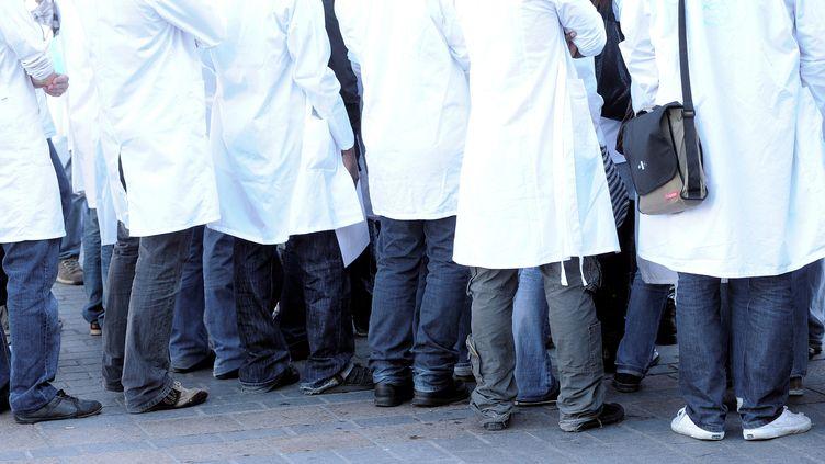 Des étudiants en médecine, lors d'une rentrée universitaire, en septembre 2008. (SEBASTIEN JARRY / MAXPPP)