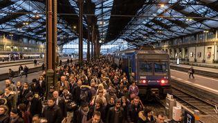 Lors du premier jour de grève des cheminots à la gare de Lyon, à Paris, le 3 avril 2018. (SIPA)