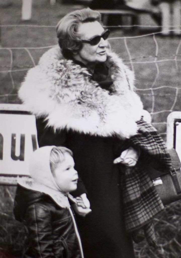 Caroline, mamie anti-conformiste et femme libre (OUTPLAY FILMS)