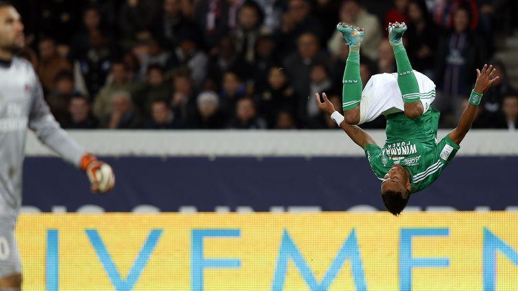La joie de l'attaquant de Saint-Etienne Pierre-Emerick Aubameyang, buteur contre le PSG, le 3 novembre 2012. (THOMAS COEX / AFP)