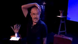 """Jean-Jacques Beineix en pleine répétition de """"Kiki de Montparnasse"""".  (France 3)"""