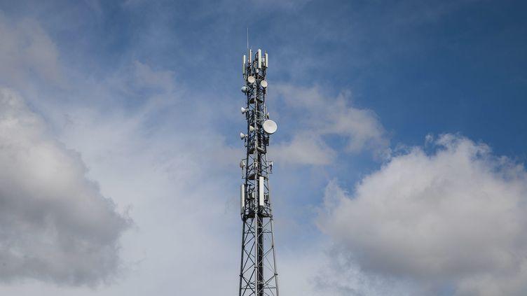Une antenne-relais à Douarnenez (Finistère). Photo d'illustration. (QUEMENER YVES-MARIE / MAXPPP)