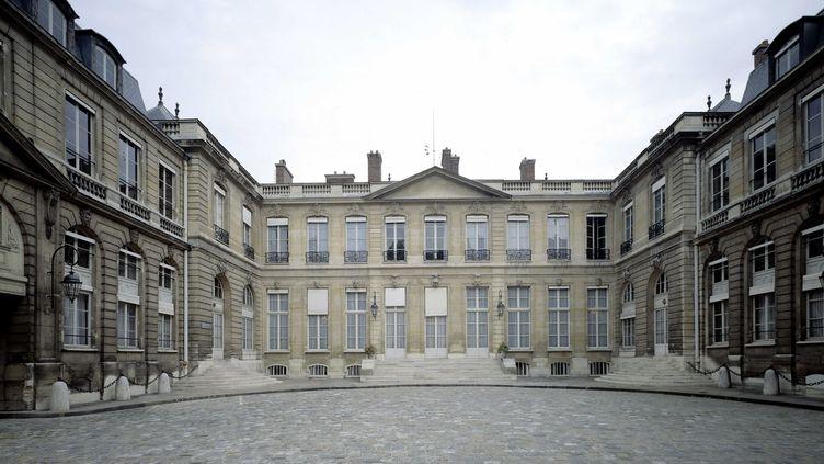 L'hôtel de Roquelaure, qui abrite le ministère de la Transition écologique, le 3 septembre 2016, à Paris. (JEAN BERNARD / LEEMAGE / AFP)