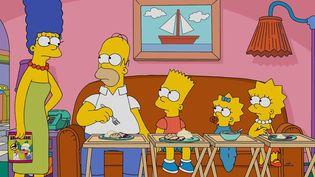 The Simpsons : Marge, Homer, Bart, Maggie et Lisa ont battu un record de longévité pour une série télé américaine.  (Fox /Getty Images)