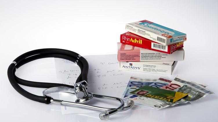 L'Assurance maladie juge excessifs les tarifs pratiqués par les médecins et dont la moyenne dépasse 2,5 fois le tarif Sécu. (NATHAN ALLIARD / PHOTONONSTOP / AFP)