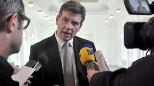 Le ministre de l'Economie et du Redressement productif Arnaud Montebourg, le 9 mai à Berlin (Allemagne). (PIERRE BEDOUELLE / AFP)