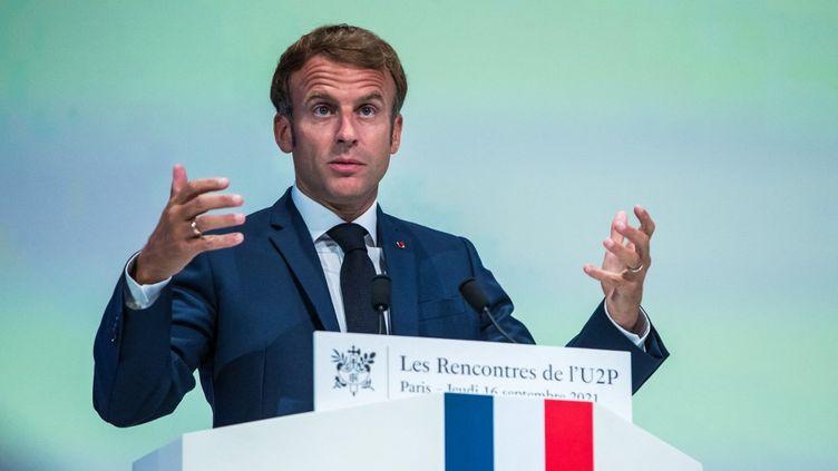 Discoursd'Emmanuel Macrondevant environ 600 membres de l'Union des entreprises de proximité (U2P) à la Maison de la Mutualité à Paris. (CHRISTOPHE PETIT TESSON / POOL)