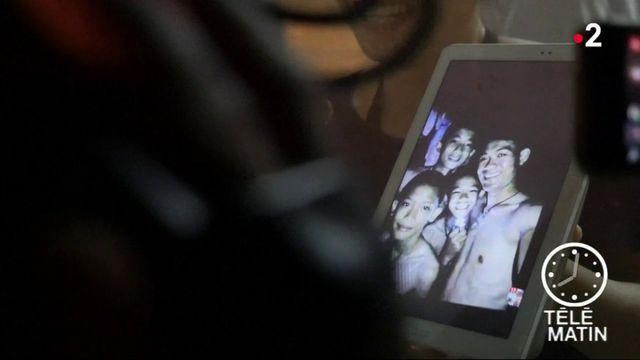 Thaïlande : les 12 enfants piégés dans une grotte retrouvés