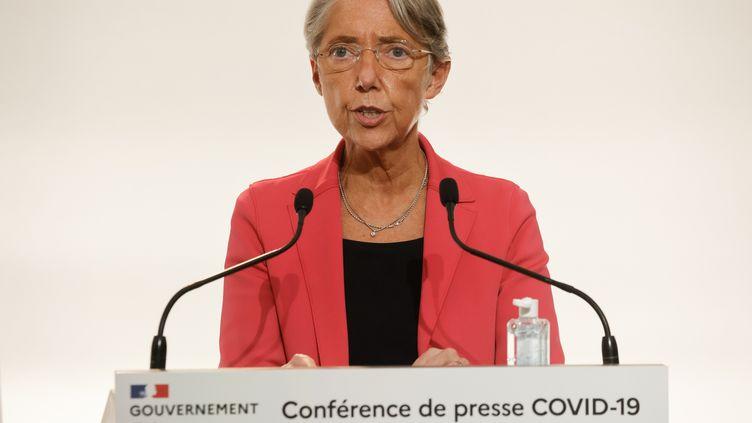 La ministre du Travail, Elisabeth Borne, lors de la conférence de presse sur les modalités de l'allégement du confinement, à Paris, le 26novembre 2020. (LUDOVIC MARIN / POOL / AFP)