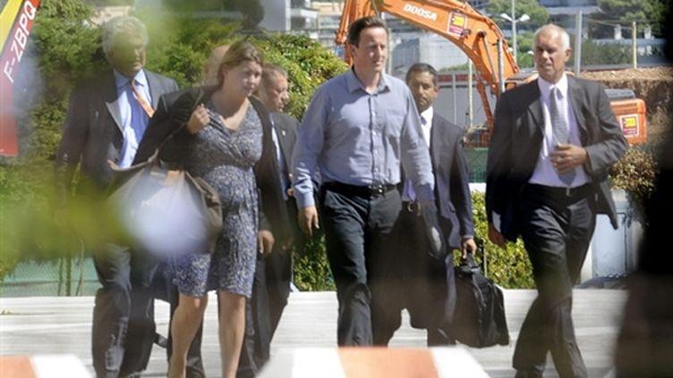 David Cameron arrivant à l'hôpital de Toulon (8 septembre 2010) (AFP/ANNE-CHRISTINE POUJOULAT)