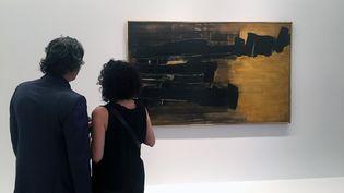 """Exposition """"Pierre Soulages :A Century"""" à la galerie Levy Gorvy de New-York (THOMAS URBAIN / AFP)"""
