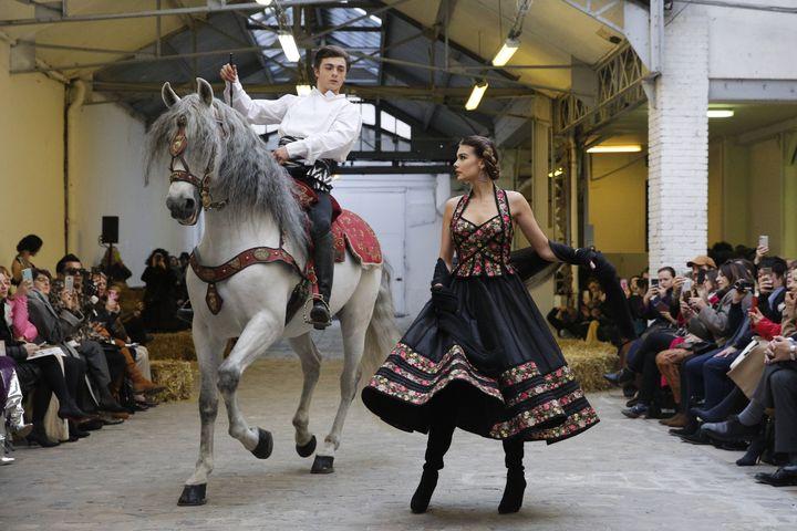 Défilé Franck Sorbier haute couture printemps-été 2020 à Paris le 22 janvier 2020 (CHRISTOPHE ENA/AP/SIPA / SIPA)