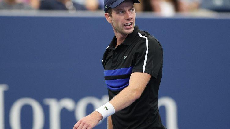 Le Néerlandais Botic Van deZandschulp a fait tomber l'Argentin Diego Schwartzman en huitièmes de finale de l'US Open, dimanche 4 septembre 2021. (ELSA / GETTY IMAGES NORTH AMERICA / AFP)