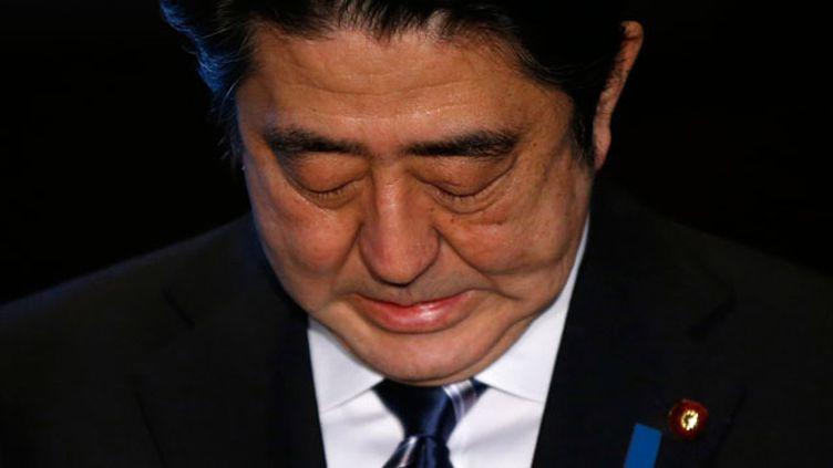 (Le Premier ministre japonais Shinzo Abe s'exprime le 1er février face à la pressse après l'annonce, par le groupe Etat islamique, de l'exécution de Kenji Goto © REUTERS/Toru Hanai)