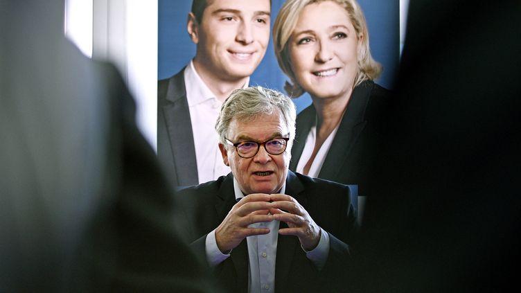 Jean-Paul Garraud lors d'une conférence de presse avant les élections européennes, à Villeurbanne le 22 mai 2019 (ST?PHANE GUIOCHON / MAXPPP)