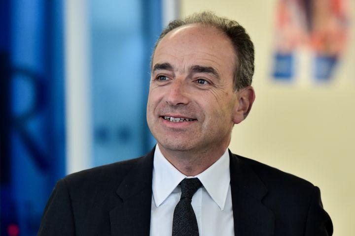 Jean-Francois Copé arrive au quartier général des Républicains, le 9 mai 2017, à Paris. (CHRISTOPHE ARCHAMBAULT / AFP)