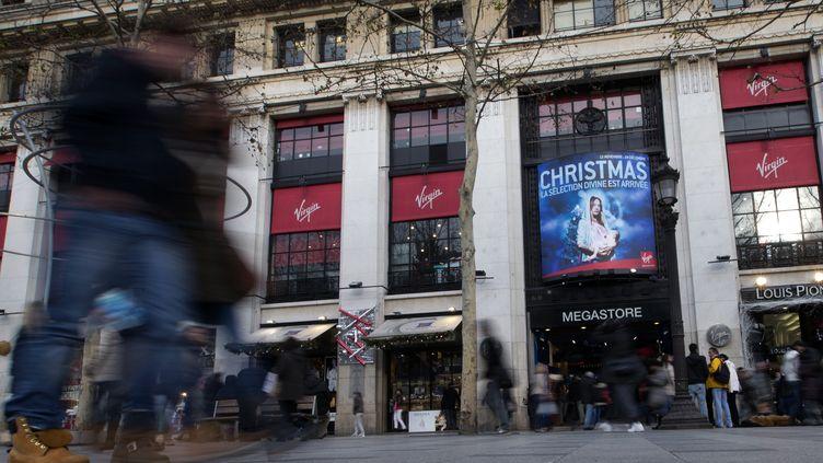 La façade du Virgin Store des Champs-Elysées à Paris, le 26 décembre. (JOEL SAGET / AFP)