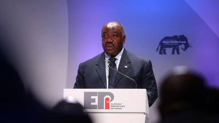 Le président gabonais Ali Bongo Ondimba, le 11 octobre 2018 à Londres, lors d'un discours prononcé pendant la conférence sur le commerce illégal d'espèces sauvages. (Chris Jackson / POOL / AFP)