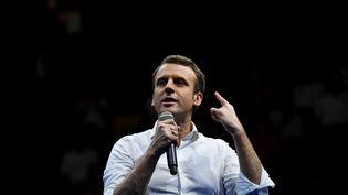 Emmanuel Macron, le 25 mars 2017 à La Réunion. (ERIC FEFERBERG / AFP)