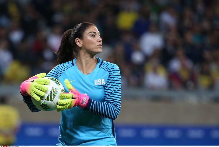 La gardienne de but Hope Solo, mercredi 3 août lors du match Etats-Unis–Nouvelle-Zélande, au stade Mineirao de Belo Horizonte (Brésil). (EUGENIO SAVIO / AP / SIPA)