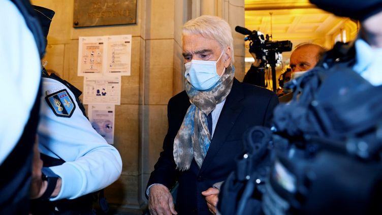 Bernard Tapie,à l'ouverture de son procès en appel, le 12 octobre 2020, à Paris. (THOMAS SAMSON / AFP)