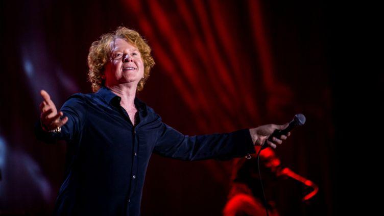 (Mick Hucknall, le chanteur de Simply Red, lors d'un concert à Milan le week-end dernier © MAXPPP)