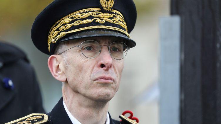 Le préfet de police de Paris, Didier Lallement, le 11 novembre 2019, lors des commémorations du 101e anniversaire de l'armistice de 1918, au pied de l'Arc de triomphe à Paris. (LUDOVIC MARIN / AFP)